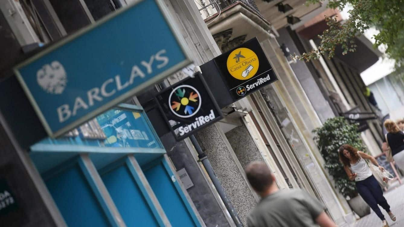 CAIXABANK ABSORBE BARCLAYS